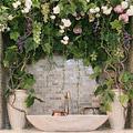 Украшение ниши виноградом и розами в квартире на Театральной пл.